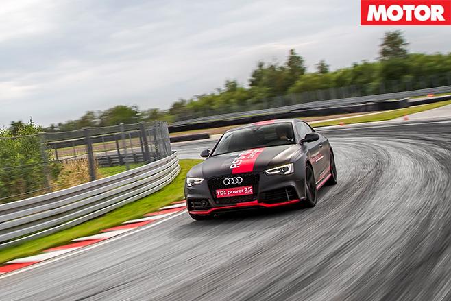 Audi RS5 TDI Concept driving