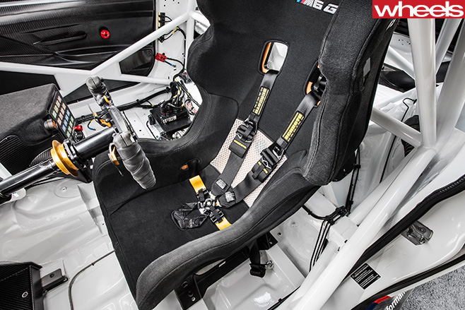 BMW-Motorsport -M6-GT3-seats