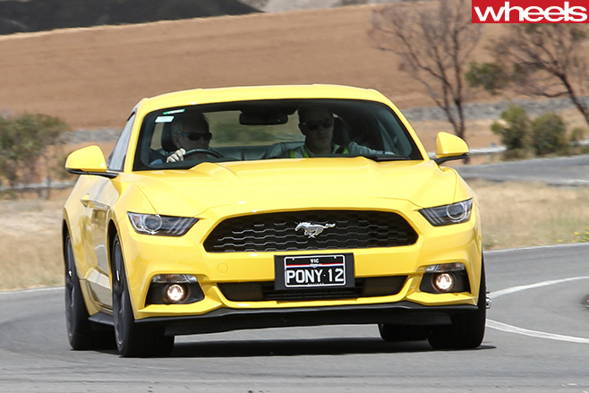 Ford -Mustang -driving -front