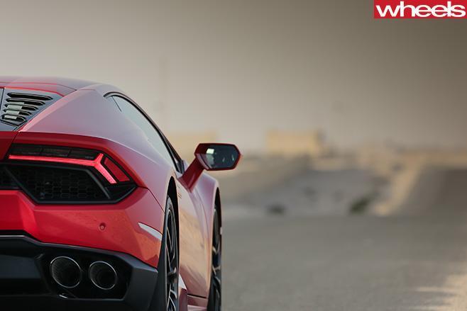 Lamborghini -Huracan -rear -driving