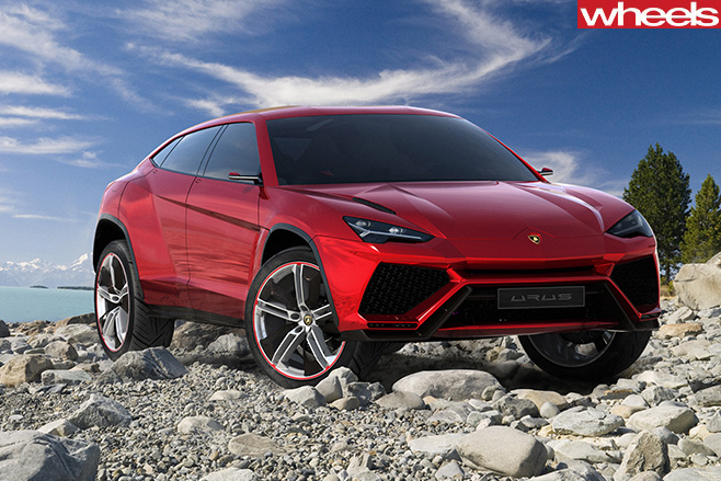 Lamborghini -Urus -front -on -mountain