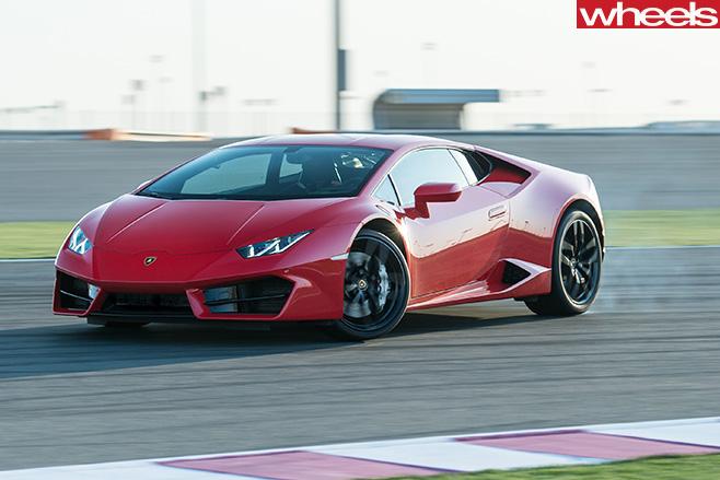 Lamborghini -Huracan -side -driving -glenn -cornering