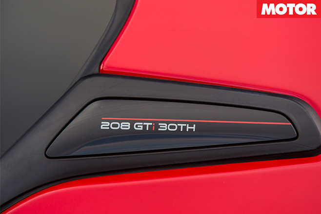 Peugeot 208 GTi 30th badge