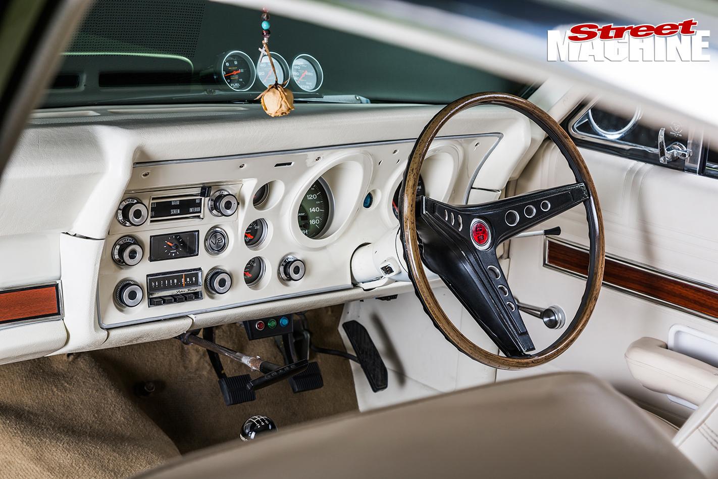 LS1-XW-Ford -Fairmont -GS-3-dashboard