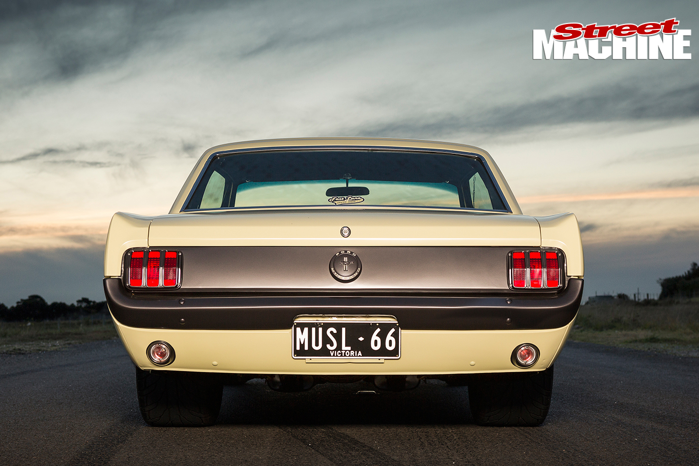 Ford -Mustang -1-rear