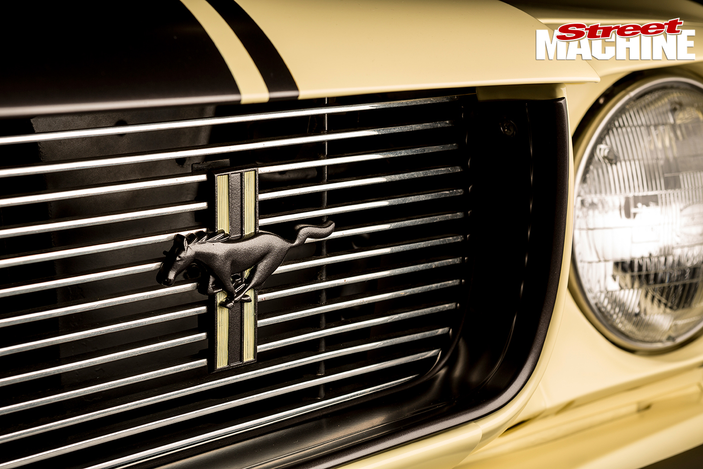 Ford -Mustang -1-front -grill