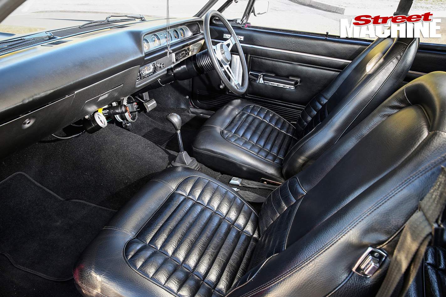 Valiant -RT-Charger -interior