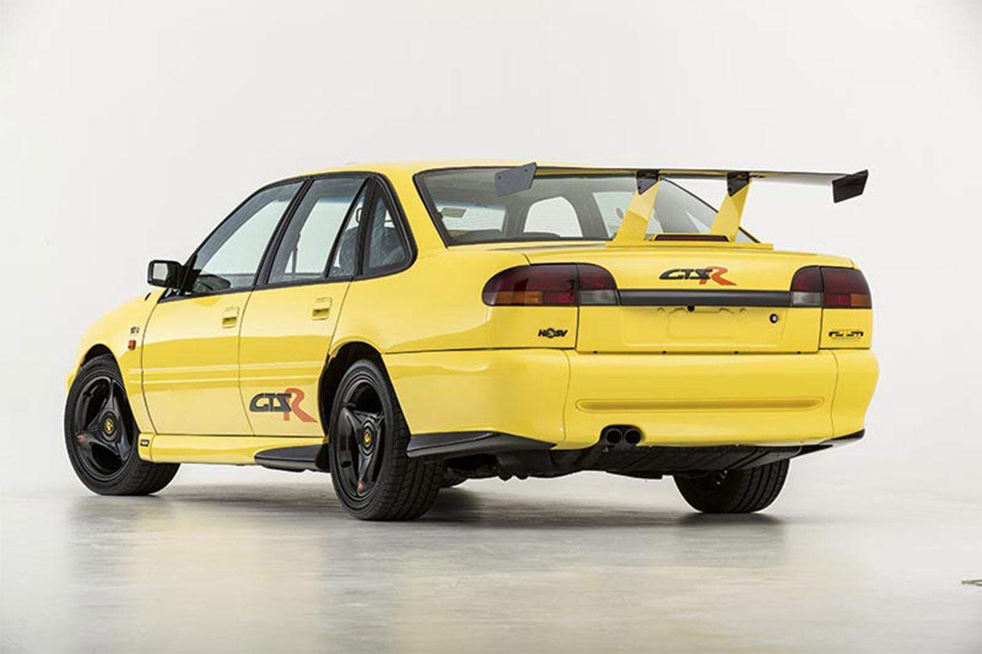 HSV-GTS-R-rear