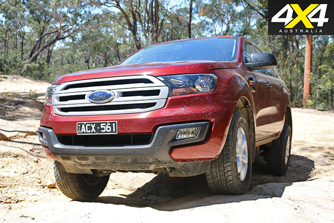 Ford Everest Ambiente front