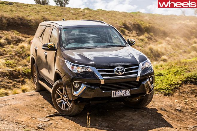 Toyota -Fortuner -front -side