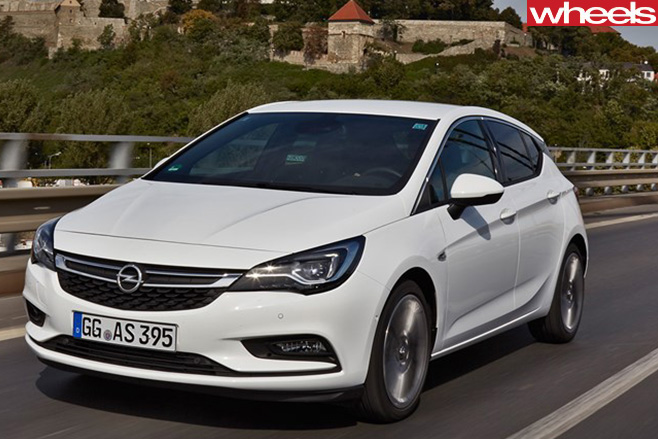 Opel -Astra -front -side