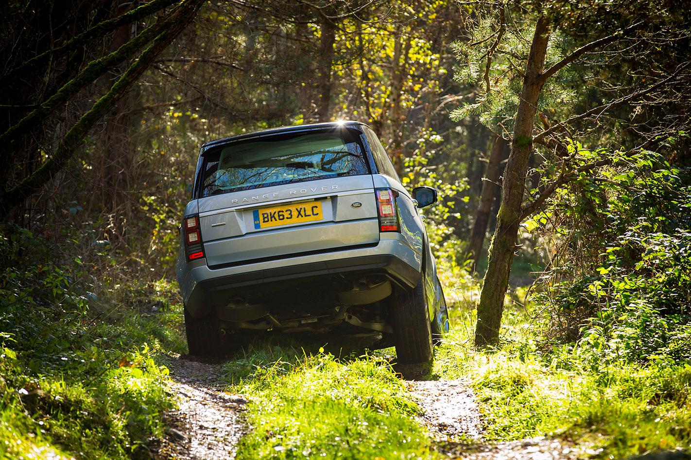 Range -Rover -SDV6-Hybrid -rear