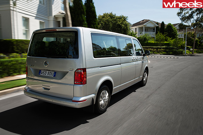 VW-Transporter -driving -rear