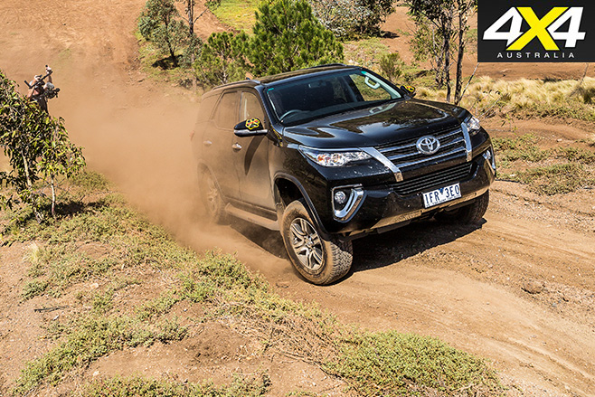 Toyota fortuner uphill dust