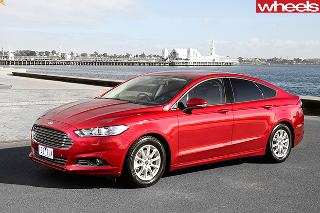 Ford -Mondeo -front -side