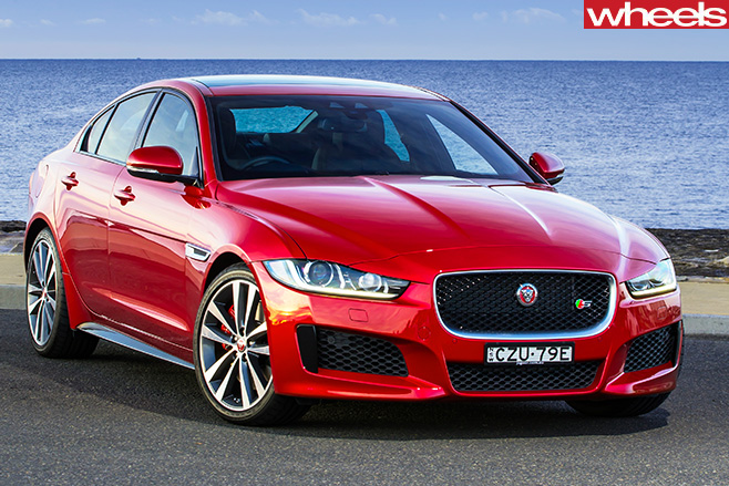 Jaguar -XE-front -side