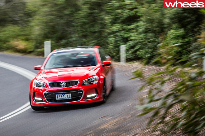 Holden -Commodore -SS-V-redline -cornering