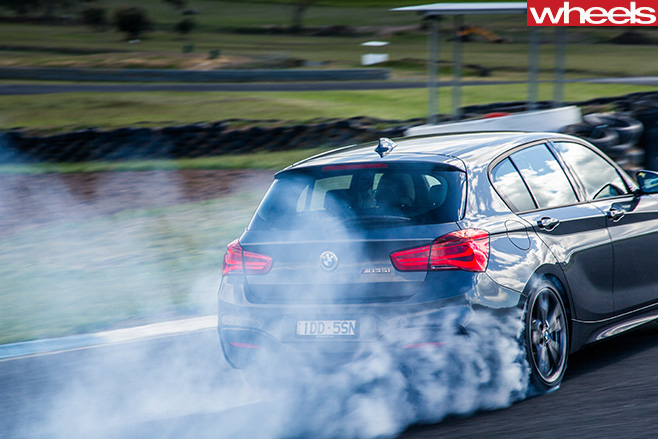 BMW-M135i -rear -smoke