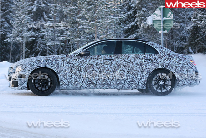Mercedes -E63-side