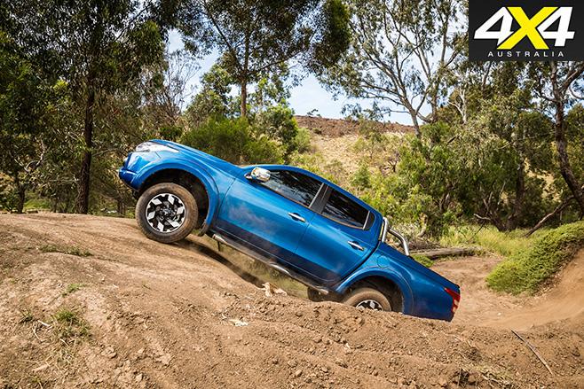 Mitsubishi Triton Exceed uphill