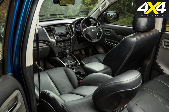 Mitsubishi Triton Exceed interior