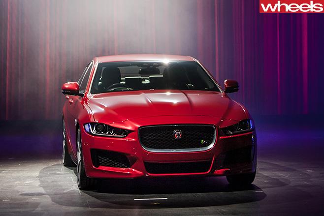 Jaguar -XE-front