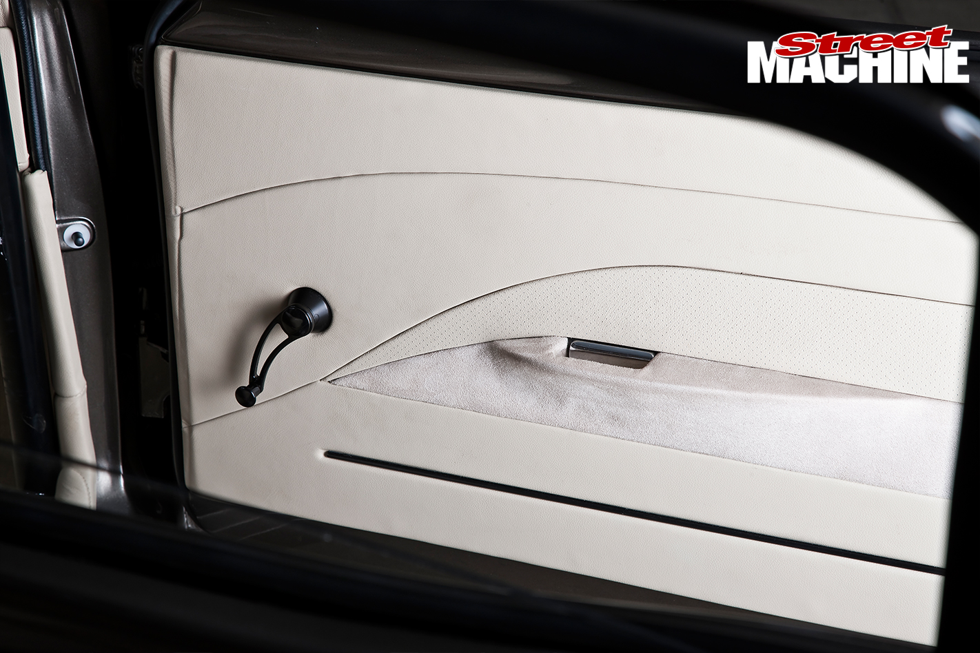 Ford -XY-Falcon -door -trim