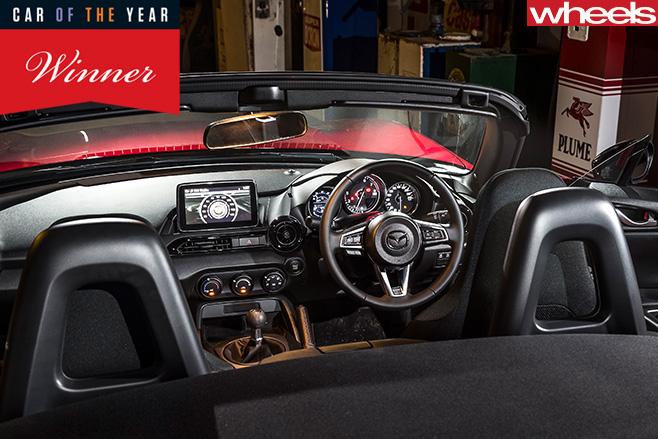 Mazda -MX-5-interior