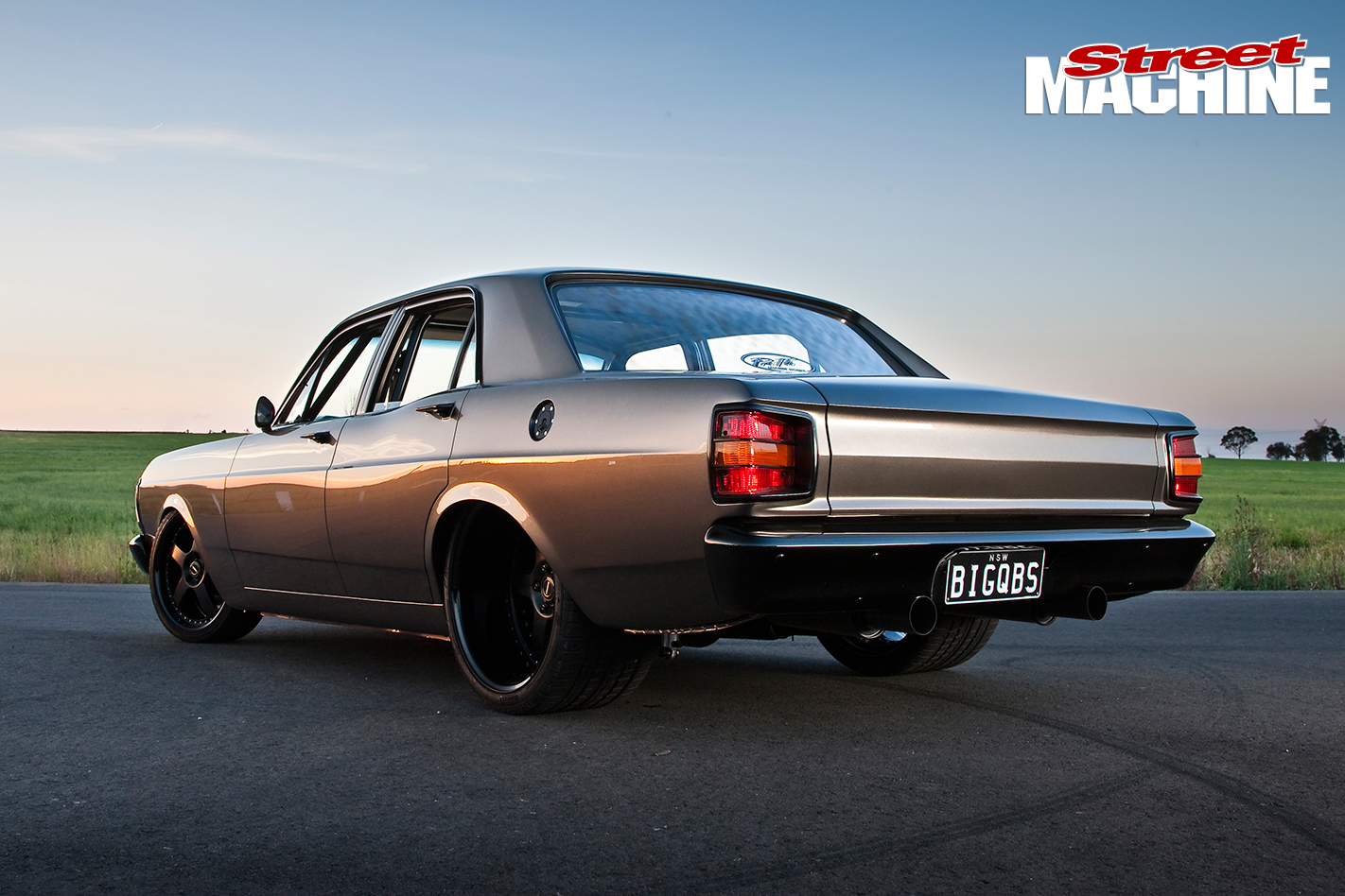 Ford -XY-Falcon -15-left -rear