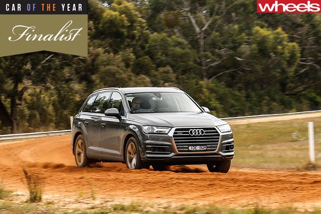 Audi -Q7-front -driving -dirt -road