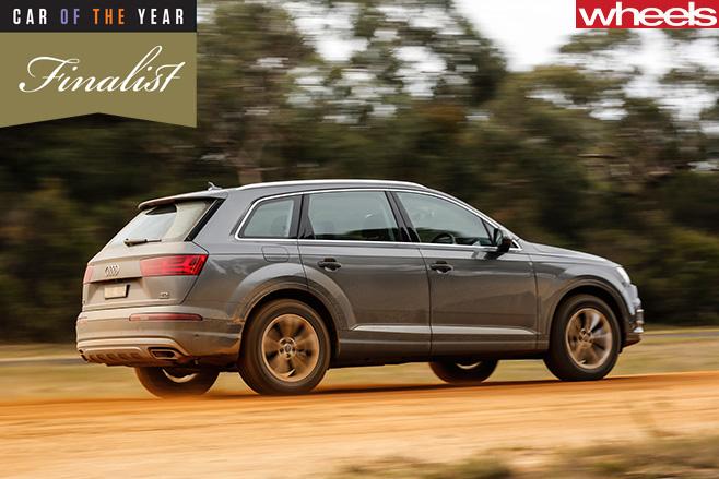 Audi -Q7-side -dirt -road