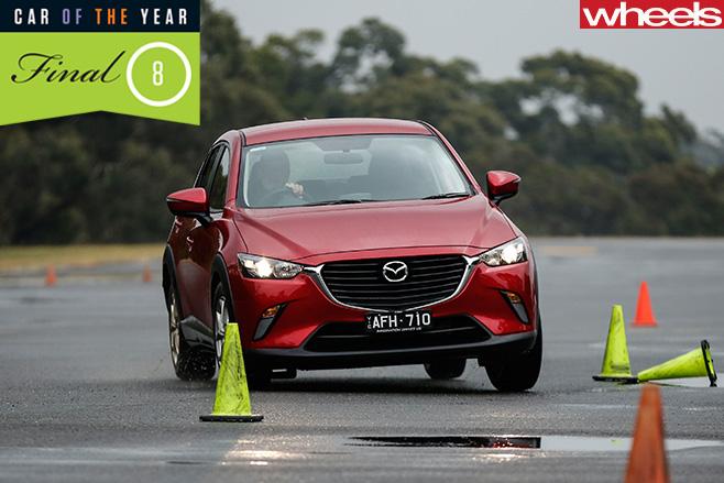 Mazda -CX-3-driving -tarmac -slalom