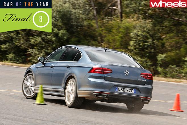 VW-Passat -driving -slalom