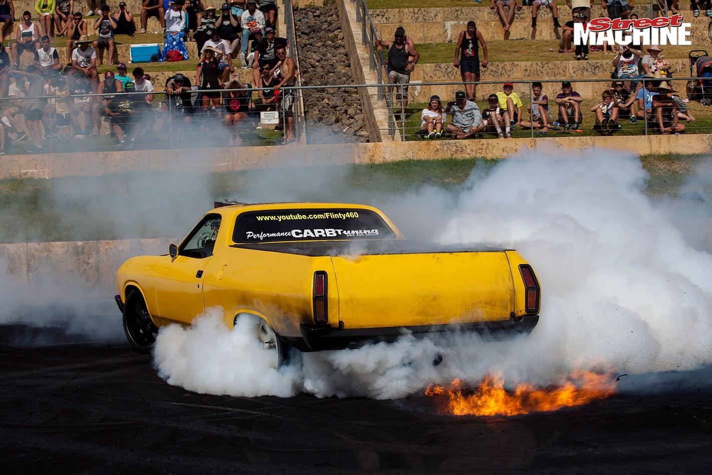 XB Ute Burnout Motorvation
