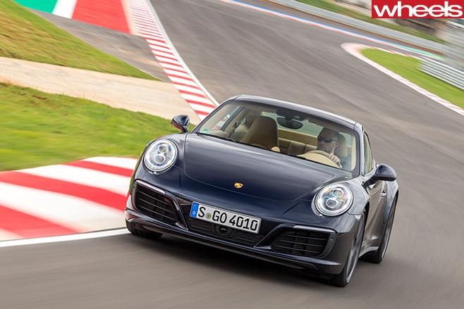 Porsche -911-Carerra -4s -front