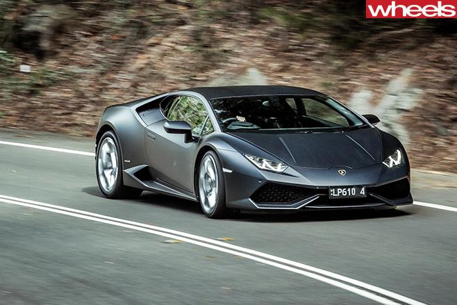 Lamborghini -Huracan -front -side -driving