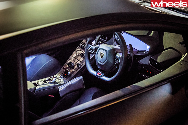 Lamborghini -Huracan -inside -window