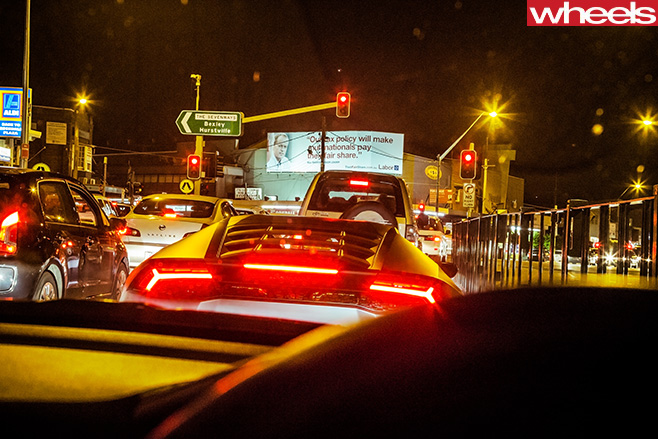 Lamborghini -Huracan -rear -in -traffic