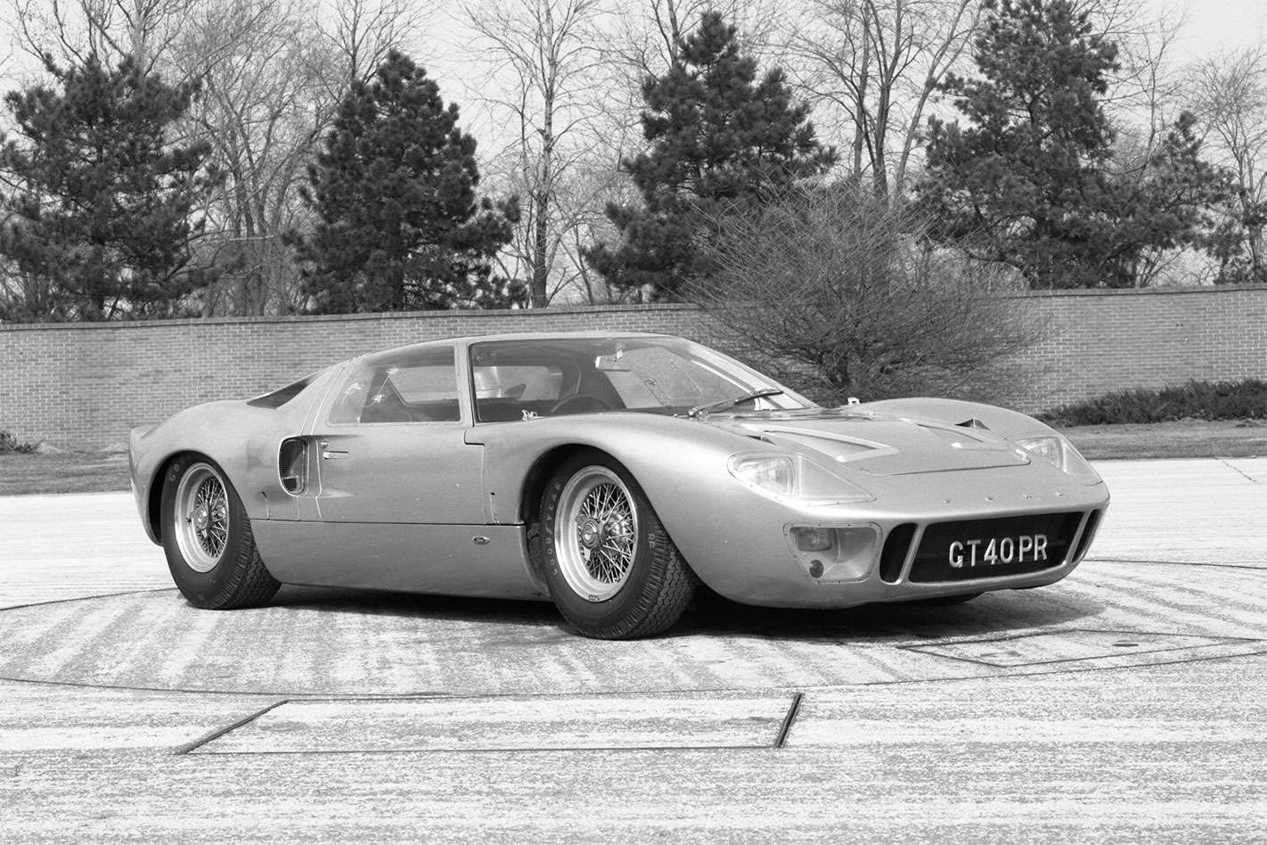 Ford -GT40-press -shot