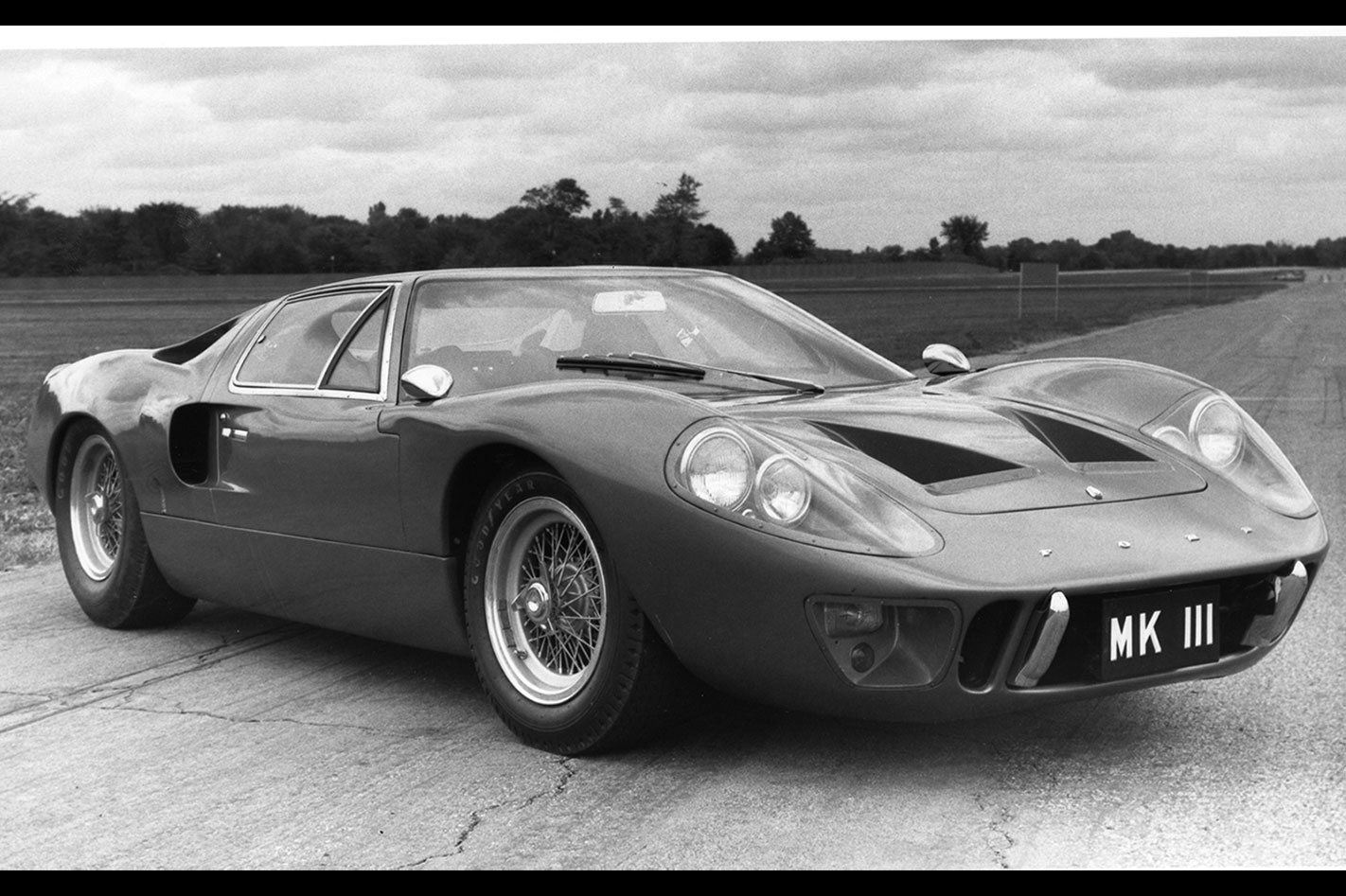 Ford -GT40-Mk -III-street -car