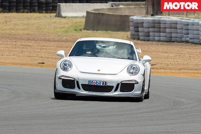 Porsche 991 gt3driving