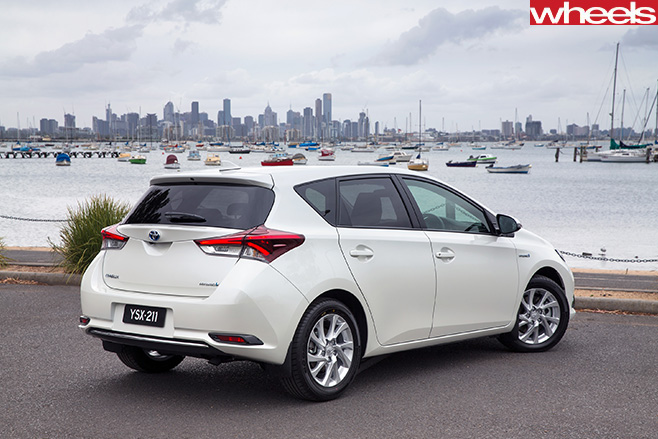 2016 toyota corolla hybrid locked in for australian launch. Black Bedroom Furniture Sets. Home Design Ideas
