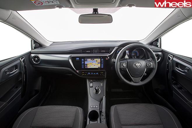 Toyota -Corolla -Hybrid -interior