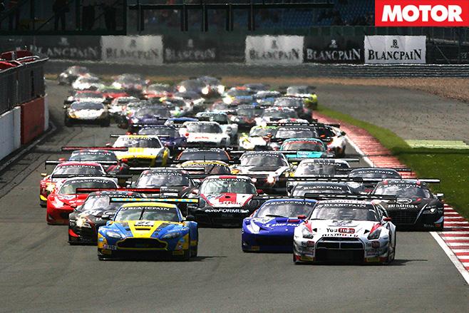 GT3 cars racing