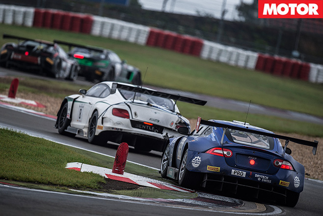 Bentley racing with gt3 cars -blancpain
