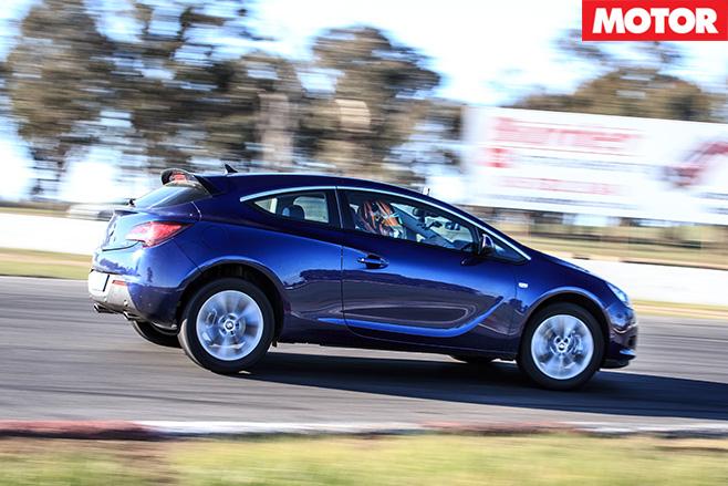 Holden Astra GTC side