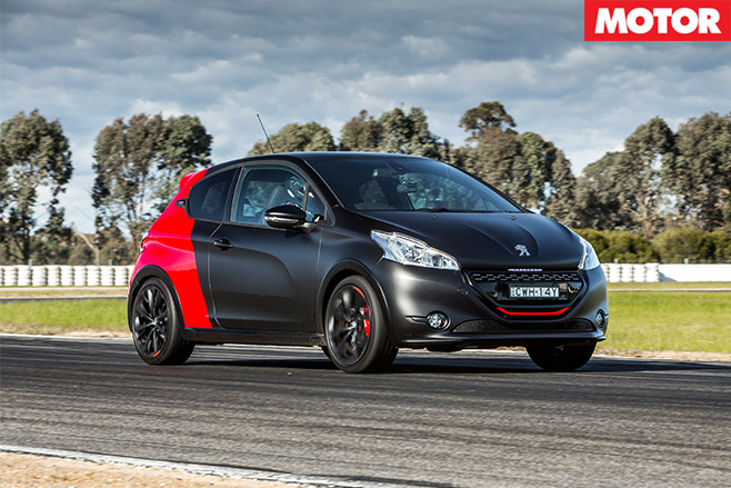 Peugeot 208 GTi 30th driving