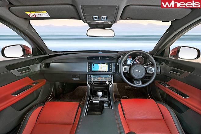 Jaguar -XF-R-Sport -25t -interior