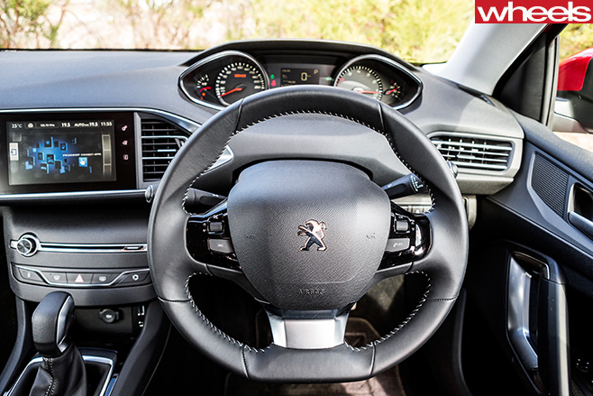 Peugeot -308-allure -active -interior