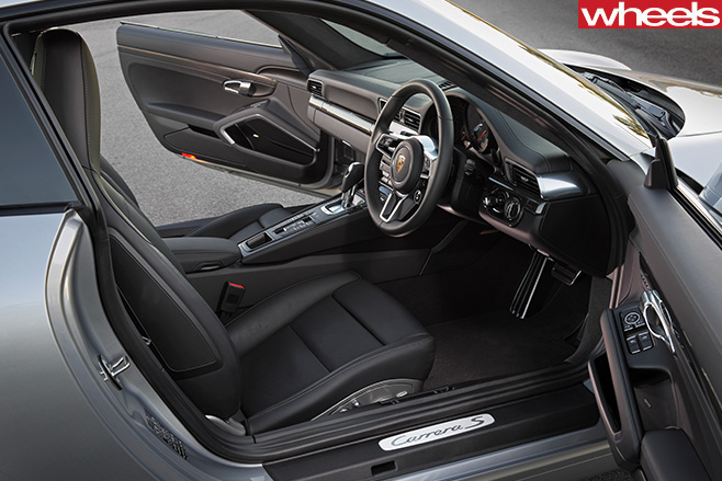 Porsche -911-Carerra -C2-S-Coupe -interior